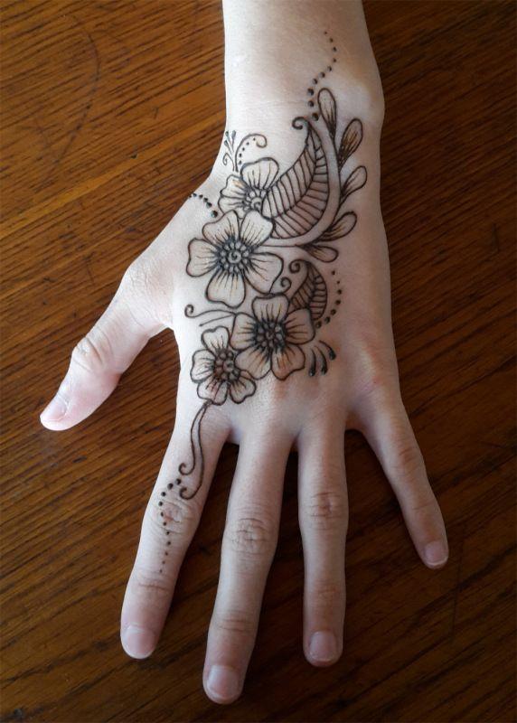 1000 id es sur le th me tatouages au henn sur pinterest henn henn et croquis de tatouage - Henne main facile ...