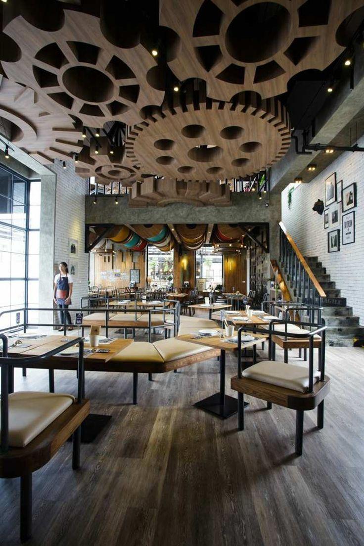 Un faux plafond design peut totalement changer le look d'une pièce. Découvrez 16 restaurants internationaux aménagés avec des faux plafonds super design.