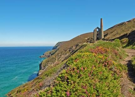 between Trevaunance Cove and Chapel Porth Photographer Cavaliere Angelo (2012 Photo Competition entry)