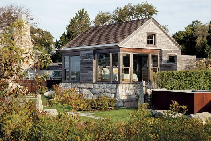 A guest cottage like no other editor s choice award for Finehomebuilding com houses