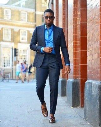 640120c008 Look de moda: Gafas de sol en marrón oscuro, Mocasín con borlas de cuero en  marrón oscuro, Camisa de vestir a   Things to Wear   Mens suits, ...