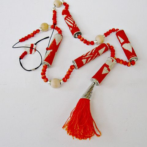 Long fabric beads necklace