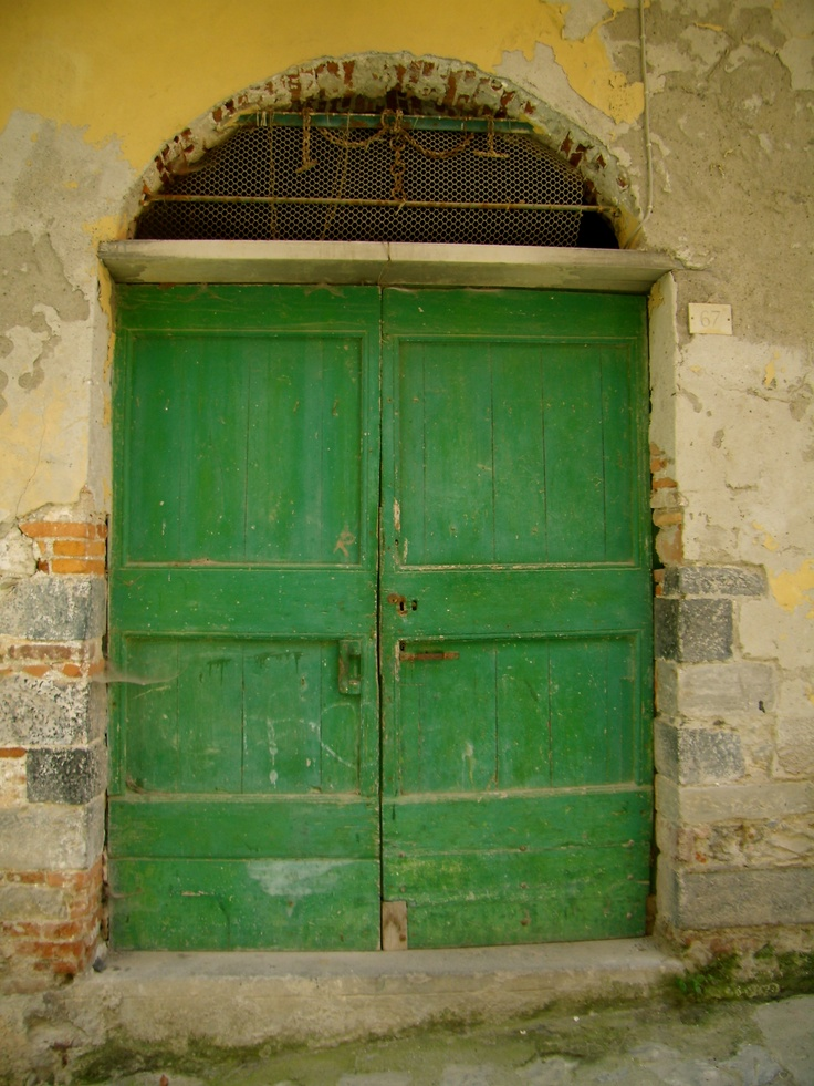 cinque terre~loved all the beautiful doors in Italy!
