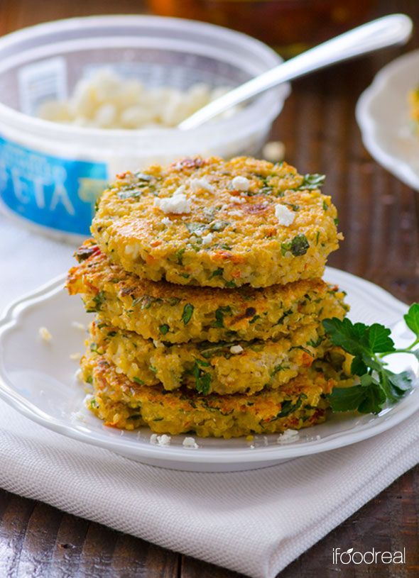 Sun-dried Tomato and Feta Quinoa Cakes -- Scrumptious gluten free quinoa cakes with sun kissed tomatoes, salty feta cheese and fresh herbs. Crispy on the outside and moist inside.