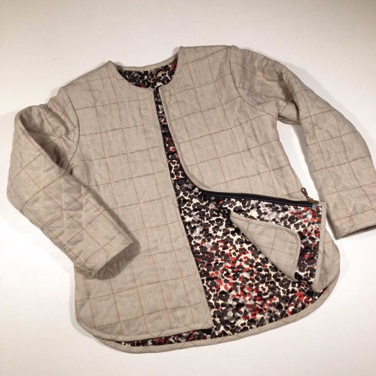 I am selling my Grainline Studio Tamarack Jacket. Made in wool silk quilted fully lined with all inner seams bound pockets gold leather hanging loop and zip closure. Love this pattern but the fabric just isn't the right colour for me and I'm never going to wear it. Open to offers please I'd just like to be able to buy some fabric to make myself another in a fabric that will suit me more! #greatukfabricdestash #tamarackjacket by lovestrawberrypatch