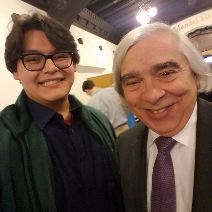 Met my idol today. Ernest Moniz!  He was the keynote speaker at the #Nuclear75 event @uchicago  I met him had a few small conversations with him and he signed my pin!!!!! . . . . . . . . #uchicago #chicago @argonne @fermilab #science #actuallivingscientist #idol #scientist #hair #hairgoals #goals #NoFilter #Politics #Energy #Engineer #Librarian #Intraining #Lasercut #engraved #woodworking #hero @ernest_moniz_hair lol #ErnestMoniz #neatdude