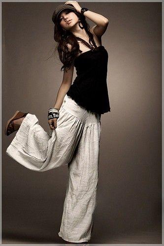 senseoffashion.com Love this style!: Wide Legs Pants, Fashion, Palazzo Pants, Outfit, Linens Pants, White Pants, Casual Pants, Resorts Wear, Yoga Pants