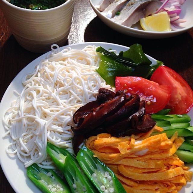 ダイエットでも、 豆腐そうめん 大満足です。 - 8件のもぐもぐ - ボリュームもあって、栄養価も高い サッパリサラダ 豆腐そうめん by ymdkzm7UsR