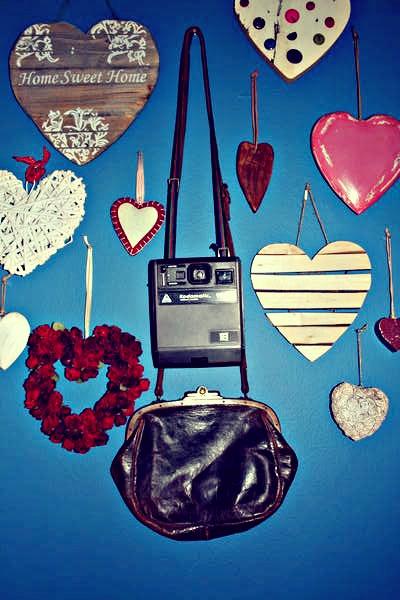 Vintage handbag and memories.  www.anartistisneverpoor.blogspot.com