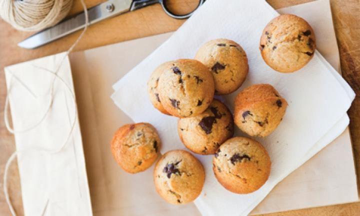 High-fibre mini choc chip muffins recipe