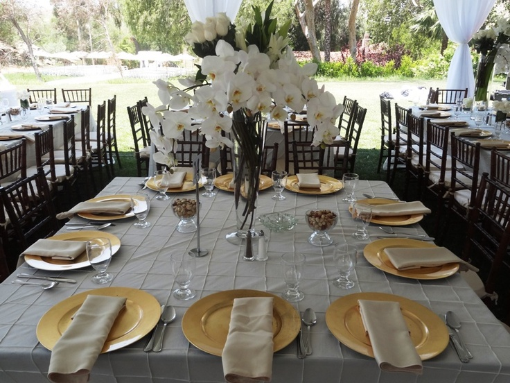 Gold Charger With Ivory Satin Napkins Tablescapes