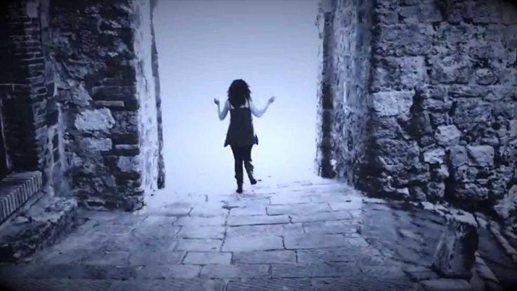 Stefano Terraglia: Un sogno al passato. Un cortometraggio sperimentale con Alessandra Lombardi. La rappresentazione di un sogno in un passato mai vissuto...o forse.