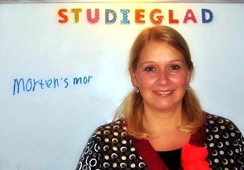 Der er sket en kæmpe udvikling med Morten efter han er begyndt hos Birgit. Han læser nu bøger frivilligt og synes det er hyggeligt. Han har siden sidst i 1. klasse gået til ekstra læsning via skolen, men det er først efter han er begyndt hos Birgit, at der er sket en stor positiv fremgang med hans læsning og stavning. At starte hos Birgit er det bedste vi har gjort for Morten's læsning. Charlotte Bommelund Christensen.                    Mor til Morten, 11 år.