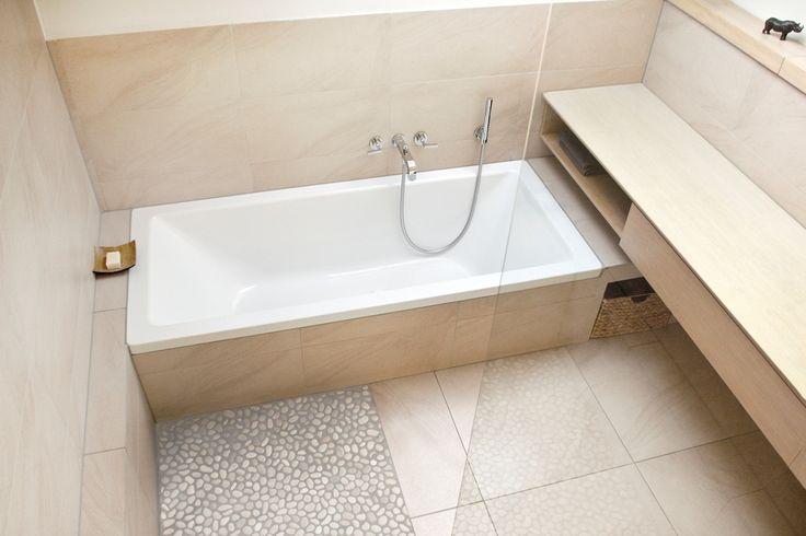 die besten 25 bad mit dachschr ge ideen auf pinterest badideen dachschr ge badideen f r. Black Bedroom Furniture Sets. Home Design Ideas