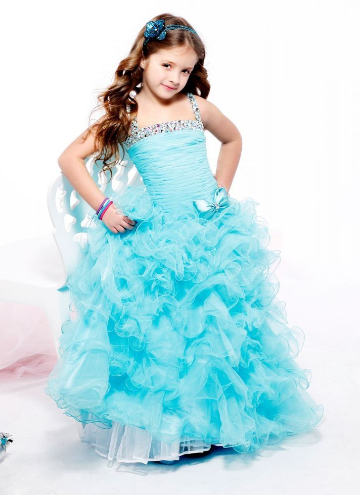 anna's maybe dress for the pagent(;
