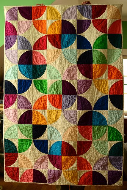 Jewel toned quilt with a bold patter #quilt #DIY #craft #color #bold