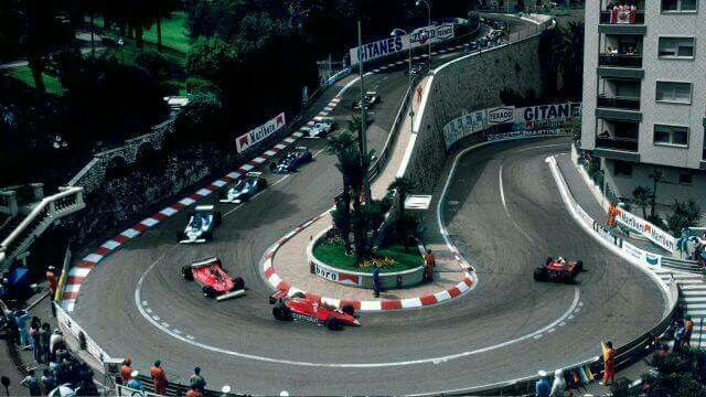 1979 Monaco GP, Monte Carlo : Jody Scheckter (Ferrari T4) leading Niki Lauda (Brabham Alfa-Romeo BT48) and his teamate Gilles Villeneuve during early laps of the race on his way to the victory. (ph: formula1.com)