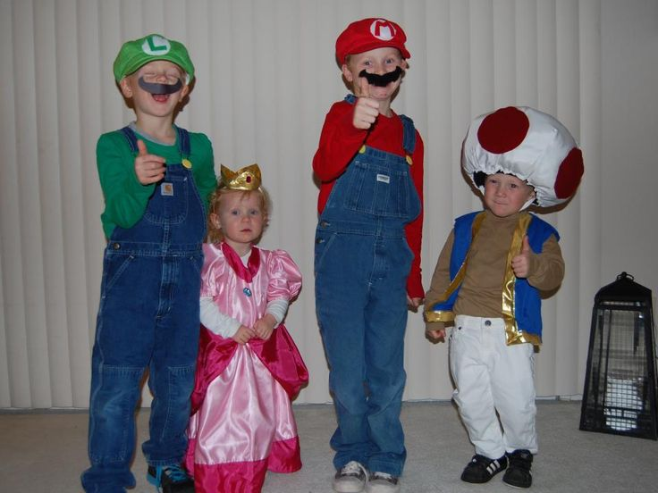 @Tiffany Welch scratch all of their halloween costume ideas this is what your 4 kids are going as!!!