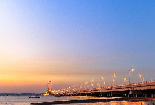 Suramadu Bridge (2)