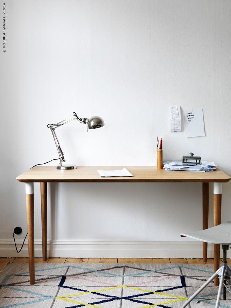 Oktobernyhet! HILVER bord har vackert rundade hörn, konformade ben och en bordsyta tillverkad av slitstark bambu – bordsskivan kan kombineras med olika typer av ben och benbockar för ett varierat utseende.