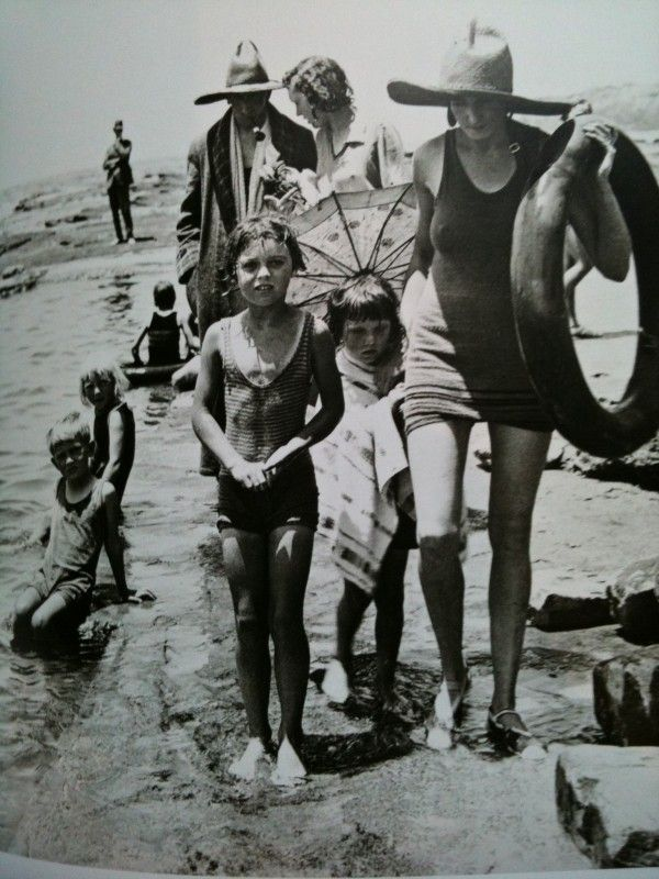 Mr A Wilson, publisher and family at Collaroy Beach, NSW Australia 1930, photo by Hoppé
