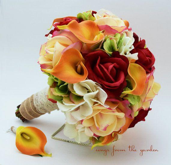 Automne boutonnière Confetti rouge Real Touch Roses Calla LilyFall couleur Bouquet du Bouquet de mariée marié de mariage