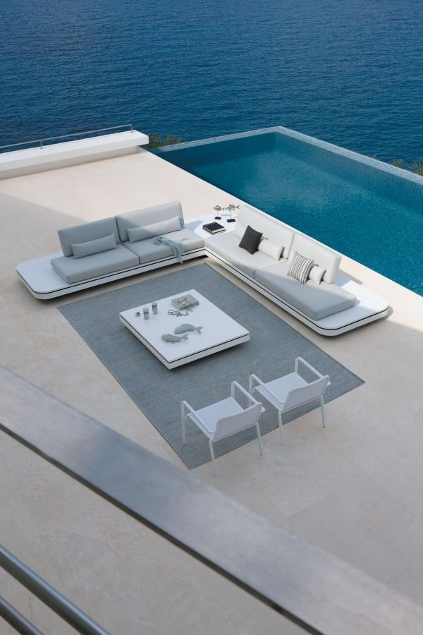 Rectangular #garden side table ELEMENTS by MANUTTI | #design Gerd Couckhuyt #pool #outdoor