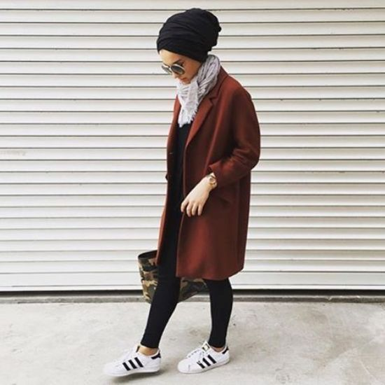 Sporty hijab street style http://www.justtrendygirls.com/sporty-hijab-street-style/