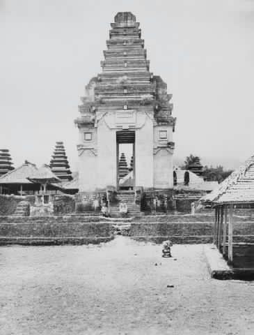 Besakih temple 1920