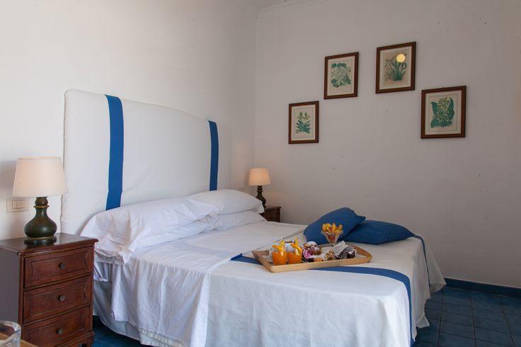 Camera Classic con terrazzo privato con lettini(Hotel Chiaia di Luna, Isola di Ponza)