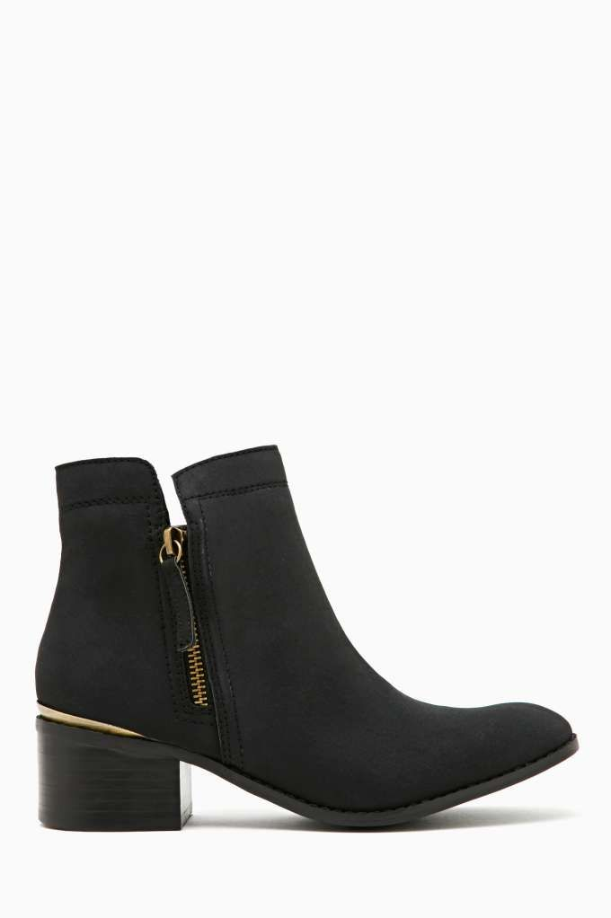 Ankle boots that is great for any outfit! from Shoe Cult Drago Ankle Boots - Black via NastyGal.com