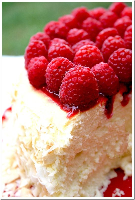 raspberry coconut cheesecake.: Raspberries Cheesecake, Desserts, Raspberries Coconut, Recipe, Cheese Cak, Coconut Cheesecake, Strawberries, Toast Coconut, Coconut Raspberries