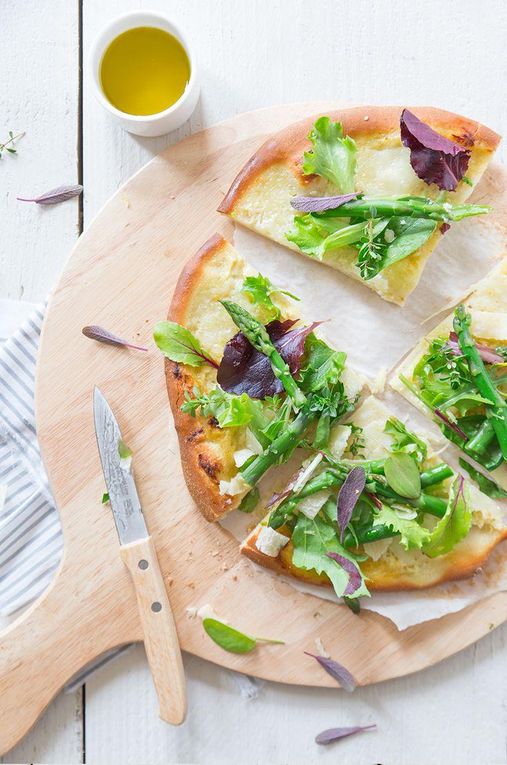 Pizza blanche, crème d'artichaut et asperges vertes | White pizza artichoke cream and green asparagus - Fraise & Basilic