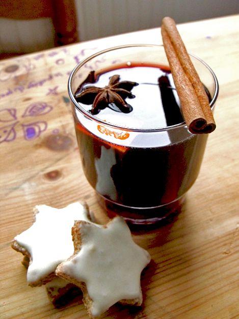 Recette de sablés et de vin chaud : http://www.madmoizelle.com/recettes-zimtsterne-vin-chaud-78935#sthash.jGFTTX3R.dpbs