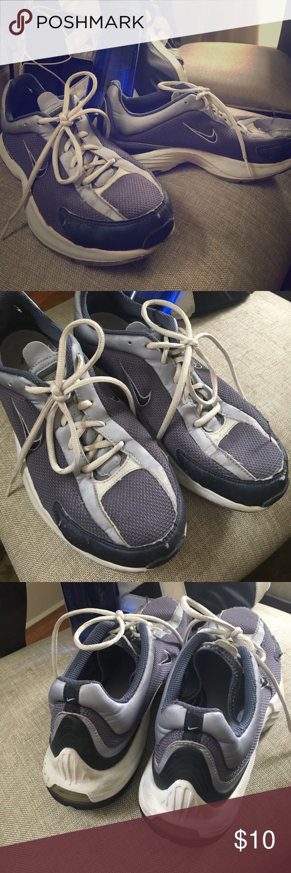 NIKE Sneakers Nike somewhat Vintage sneakers that show some wear and cracks but are comfy and still look clean. High heel coverage and wide footbed. Size 10 Nike Shoes Sneakers