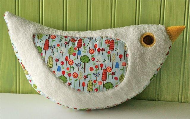 Image of Katie Bird Pillow PDF Sewing Pattern: Pillows Pdf, Pdf Sewing, Katy Birds, Pillows Patterns, Birds Pillows, Spring Wreaths, Pdf Patterns, Sewing Patterns, Birds Patterns
