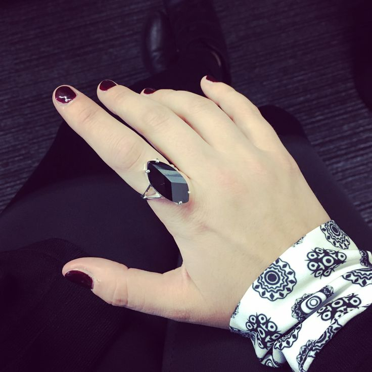The Ring Addict Silver ring with onyx stone Chanel nail polish rouge noir