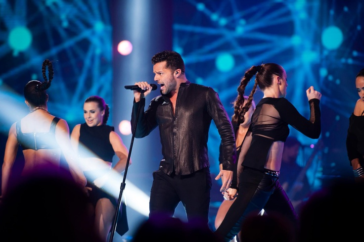 "Ricky Martin performing his new single ""Come With Me"""