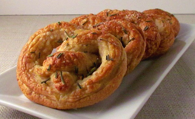 Rosemary Sea Salt Soft Pretzels-going to try and do these with a ...