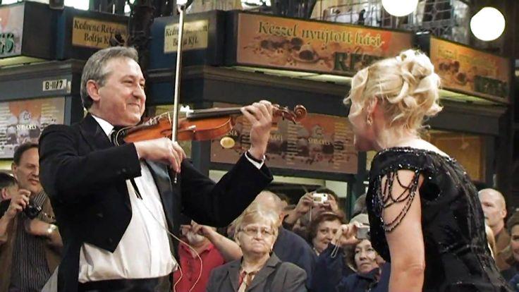 Венгерский флешмоб на рынке
