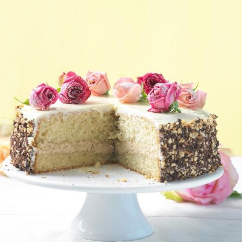 Give your guest a surprise at a Summer tea party with these delicious coffee-inspired cake.