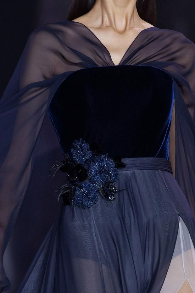 Ralph & Russo Details HC F/W '14.Charming evening dress in silk mousseline and silk velvet #Ralph&Russo #EveningDress