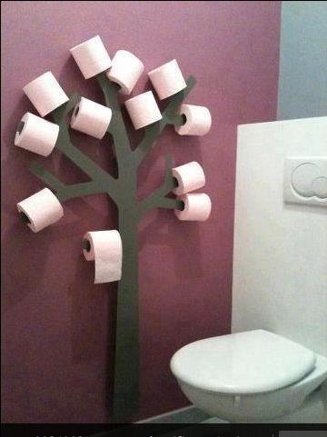 Un arbre à PQ pour changer des paniers ou autres étagères pour les stocker. Bonne idée, qui change...;)