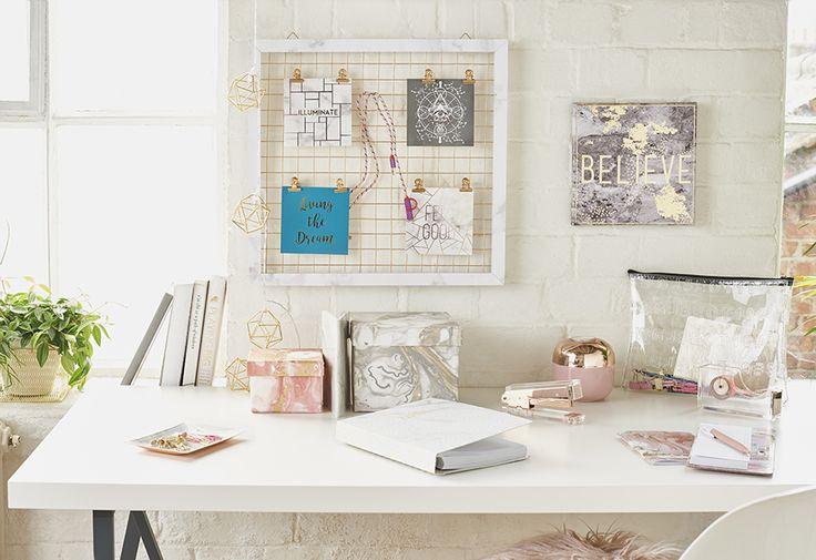 Moda hogar de Primark: accesorios escolares y universitarios de efecto mármol, cobrizos y estilo escandinavo minimalista para estudios
