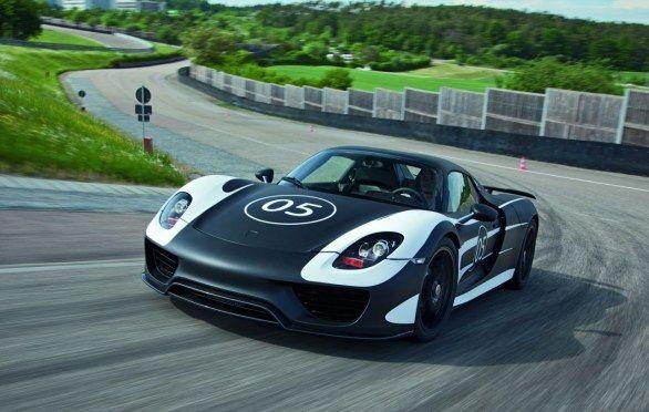 Che ne pensate della Porsche 918 Spyder?