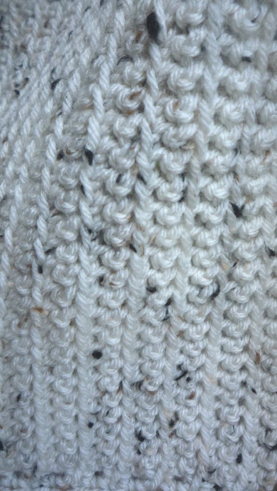 Crème tweed wrap met grote zwarte knop van redbootyarnworks op Etsy