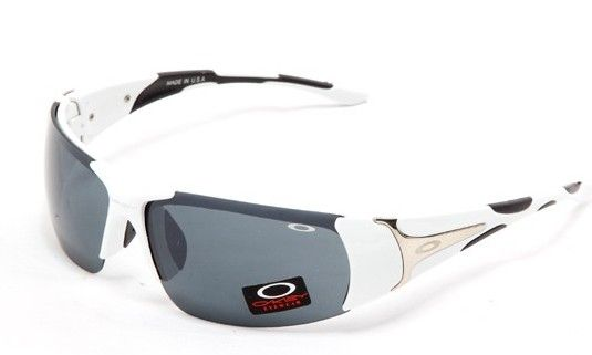 oakley Sunglasses #oakley#Sunglasses ! 2015 Women Fashion Style From USA Glasses Online.love and to buy it!