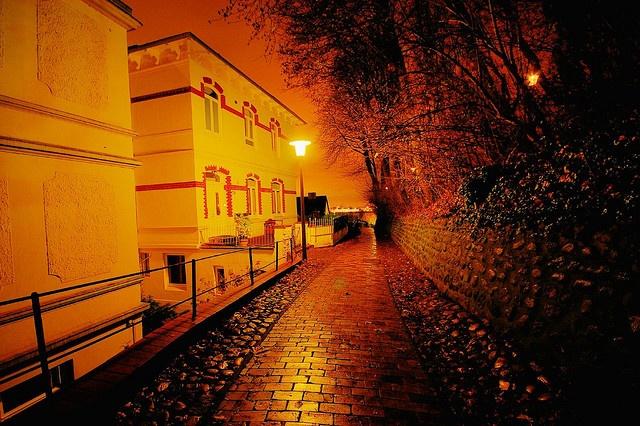 Treppenviertel - Süllbergterasse (Landseite) by TIAN@OTF, via Flickr