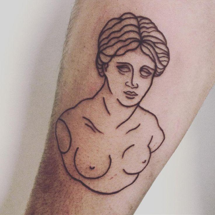 Rzeźba grecka 2 #tattoo #ink #inked #art #sculpture #greek #drawing #illustration #linework #facetattoo #handtattoo #tatuaż #тату #pure #simple #black #blackwork #poland #warsaw #girl #simpletattoo
