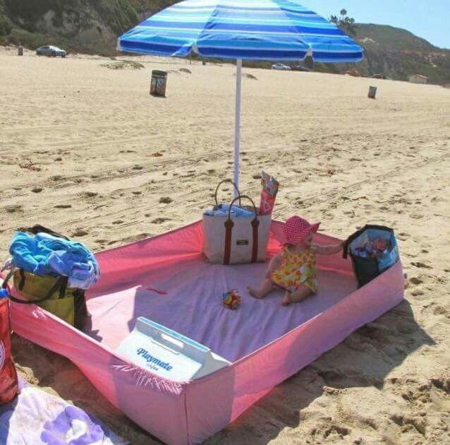 Oke, het is nog geen strandweer, maar de tip is er alvast: neem eens een hoeslaken mee! Zo blijven spullen (en baby) 'relatief zandvrij'!